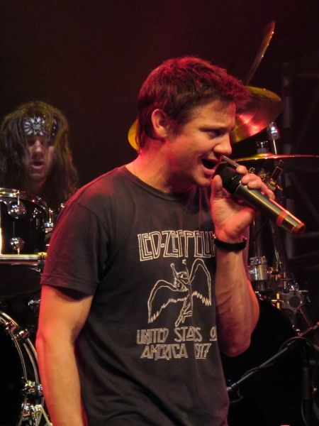 jeremy renner singing with Steel Panther   The Men of ...
