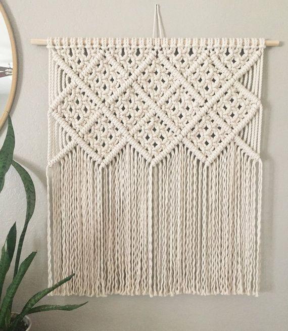Macrame Wall Hanging / Modern Macrame / Tapestry by JoyLoopDesigns - tapices modernos