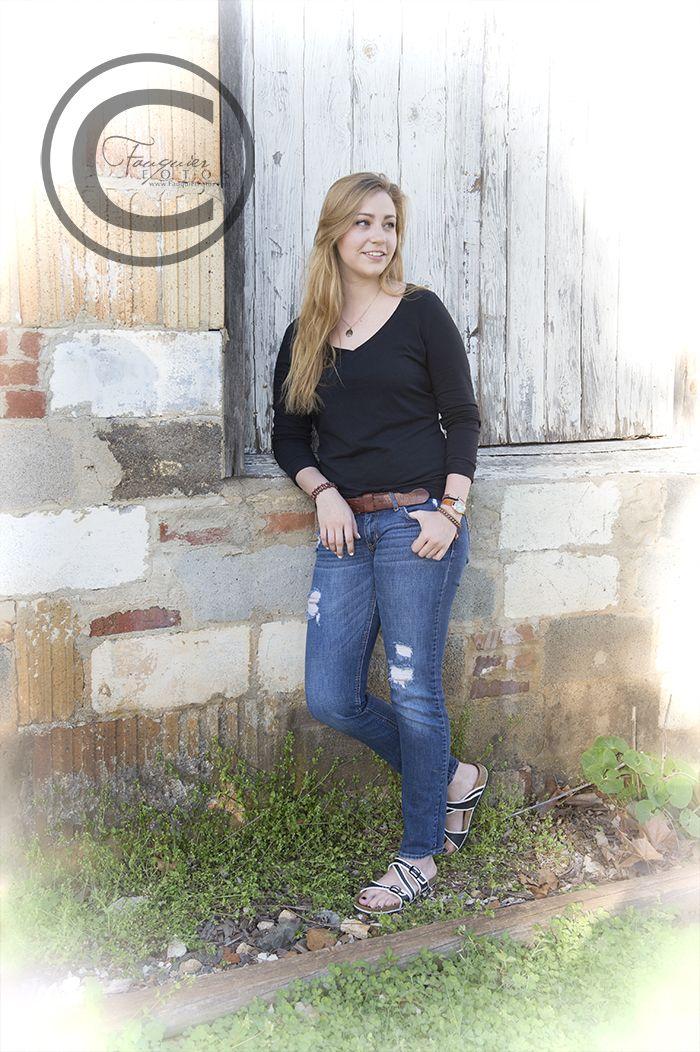 Fauquier Fotos | Warrenton, VA | Posts/Senior Girl/Fauquier High School/Downtown Historic Warrenton