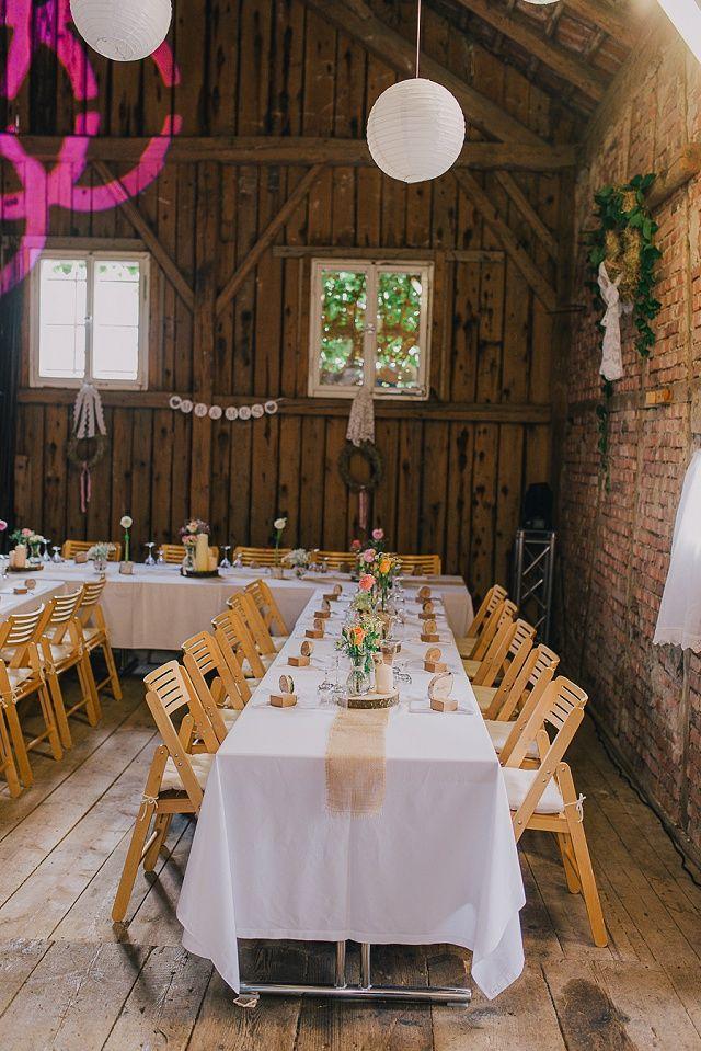 Scheunenhochzeit Im Bayerischen Wald Von Nadine Lorenz Hochzeitsblog The Little Wedding Corner Scheunen Hochzeit Hochzeit Tischdekoration Hochzeit