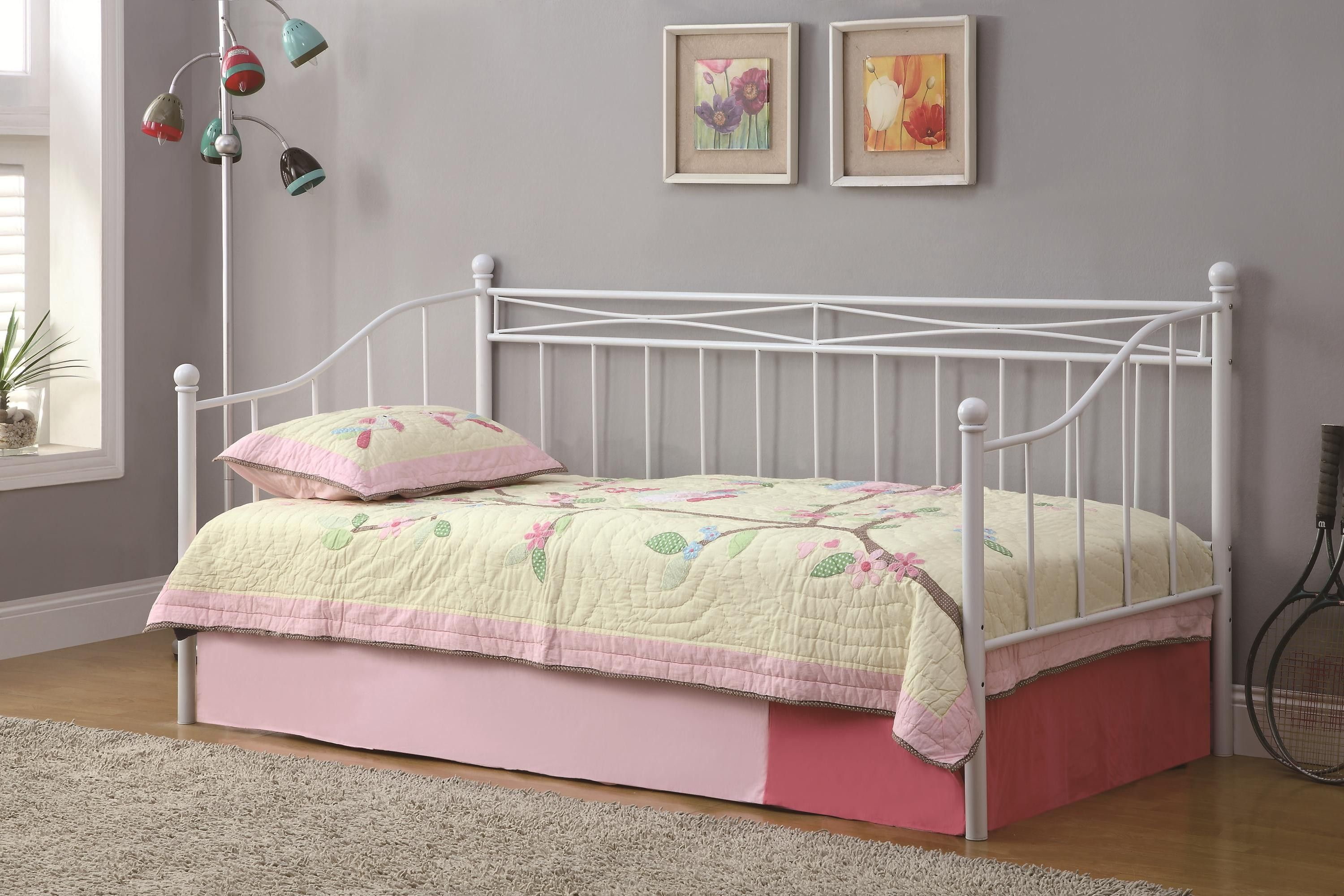 Twin Daybed Metal Frame With Pillow