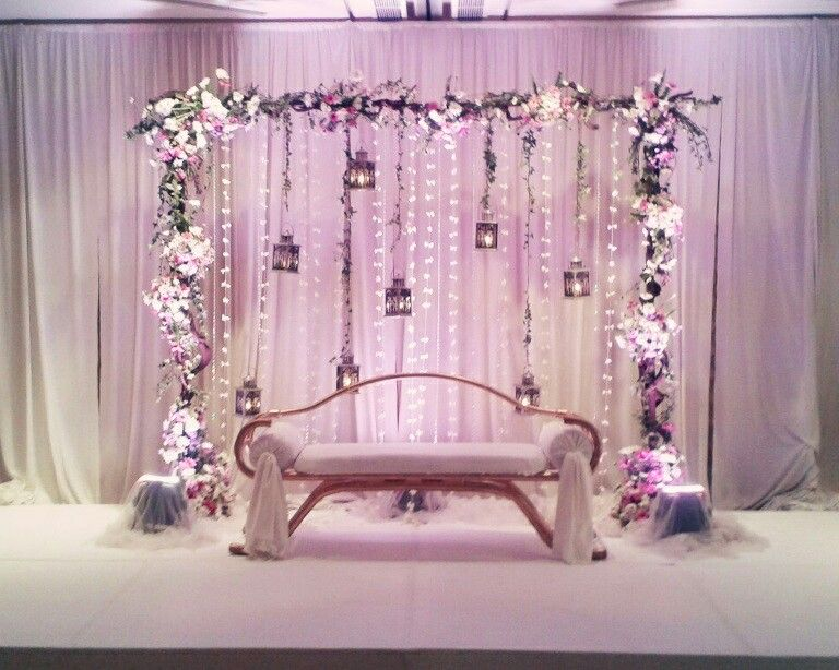 Wedding Decor Lassana Flora Setteback Design Purple