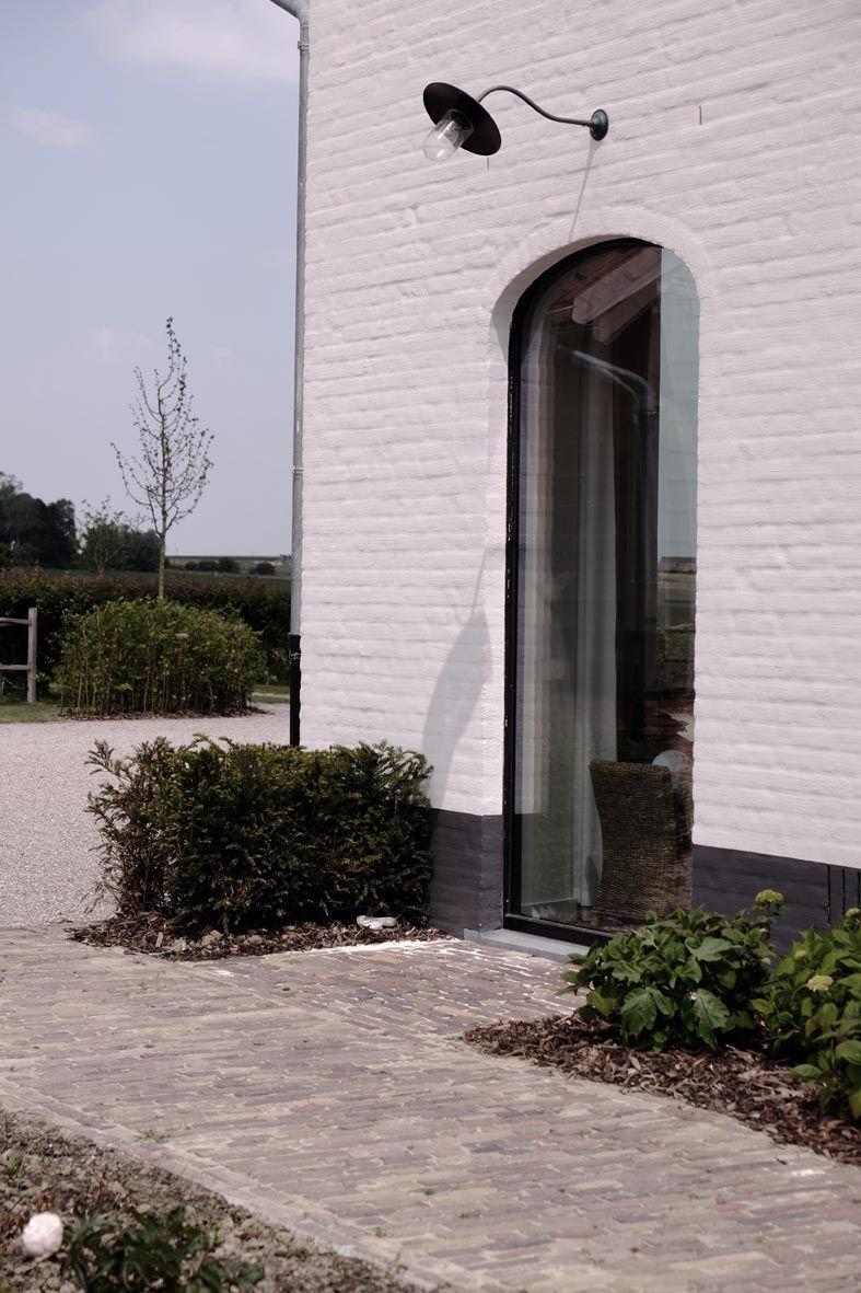 Oprit zijgevel ramen in de keuken huis wit idee n pinterest ramen keuken en huizen - Buitenverlichting gevelhuis ...
