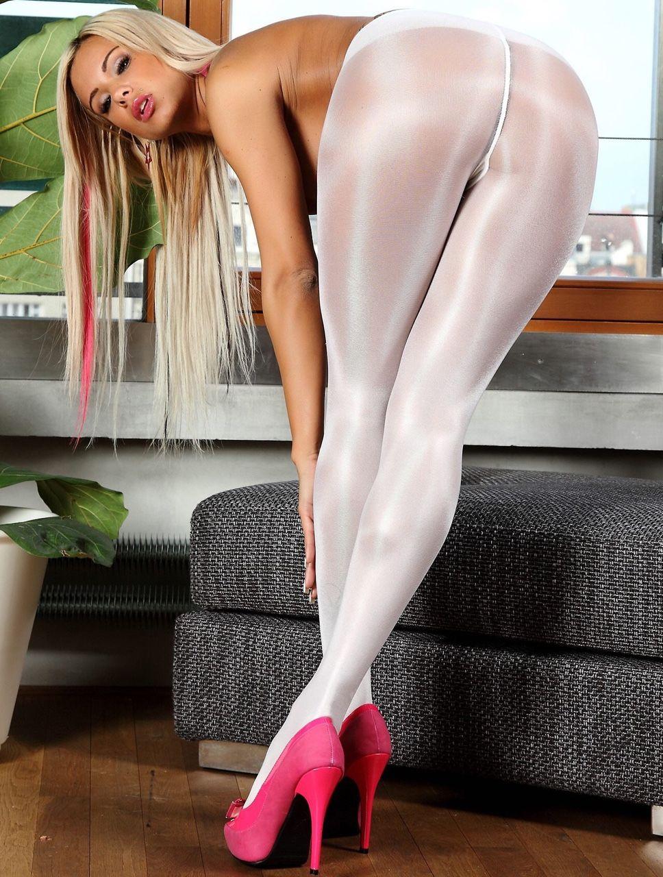Shiny Pantyhose Porn Pics