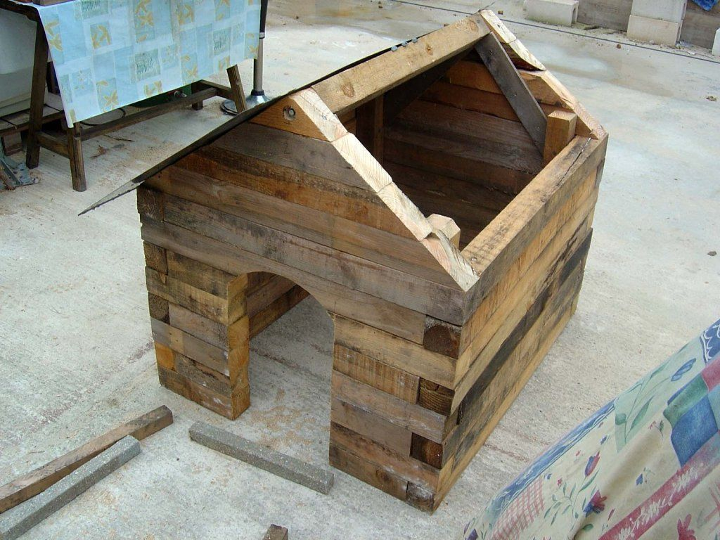 La casita del perro el perro bricolaje y es facil - Como hacer una casa para perro grande ...