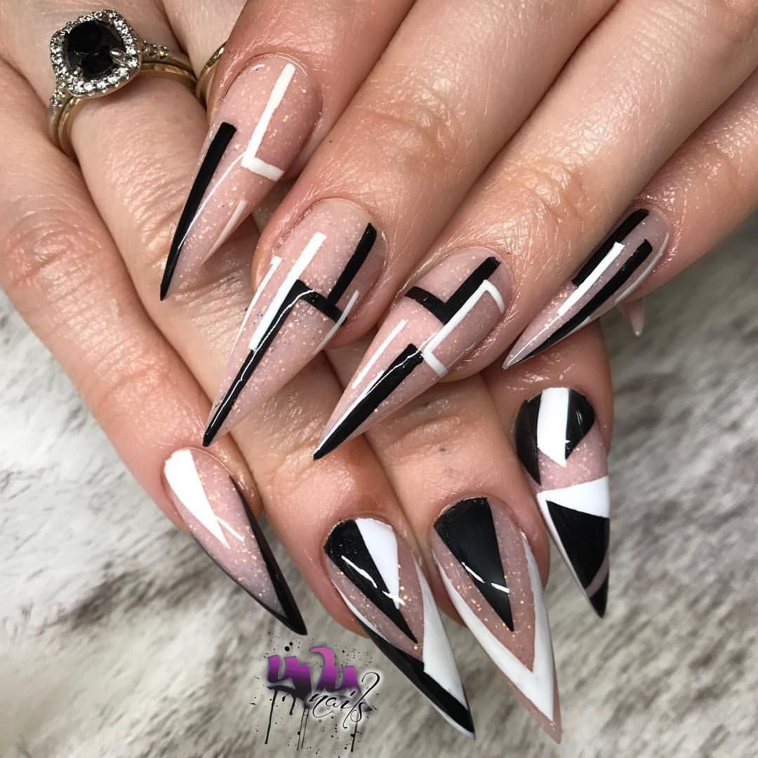 """Photo of Yvett G (yvynails) 🇲🇽 on Instagram: """"Love this set so much had to post a pic this time▪️🔳◻️⬛️ #yvynails  #quality #acrylic #stilettos  #nails #nailpro #modernnailsalon  #claws…"""""""