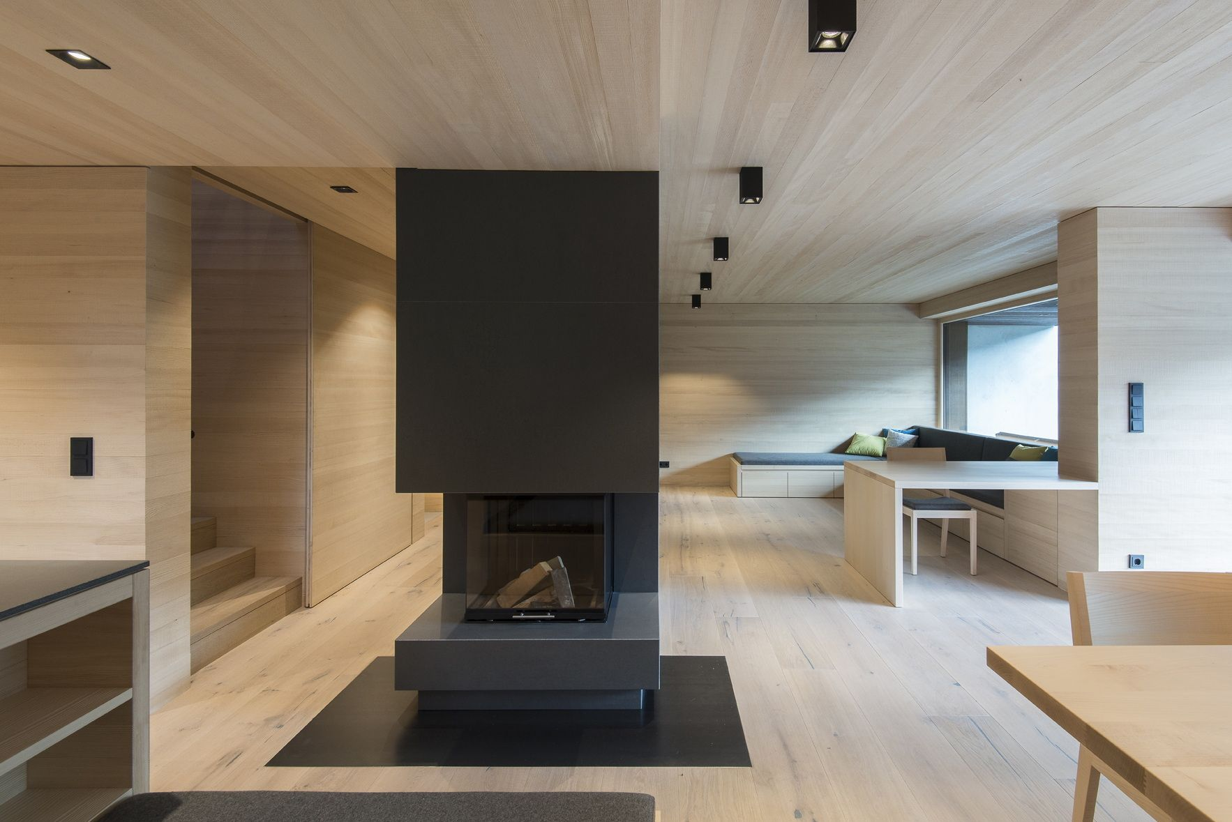 Zurückhaltende Öffnung - Umbau Eines Wohnhauses In Zell Am See ... Wohnzimmer In Wintergarten Haus Renovierung
