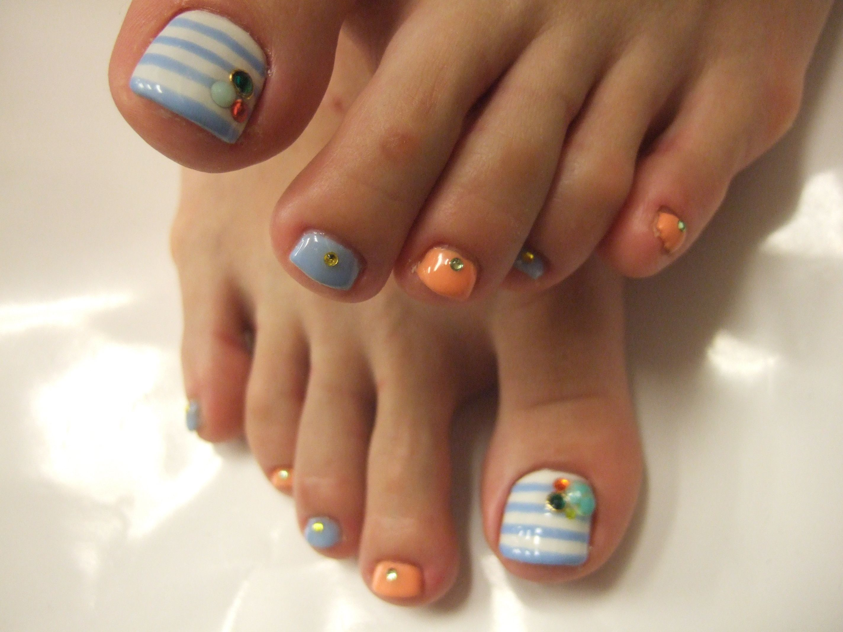 girly nail art design toes | copied this design found here . I ...