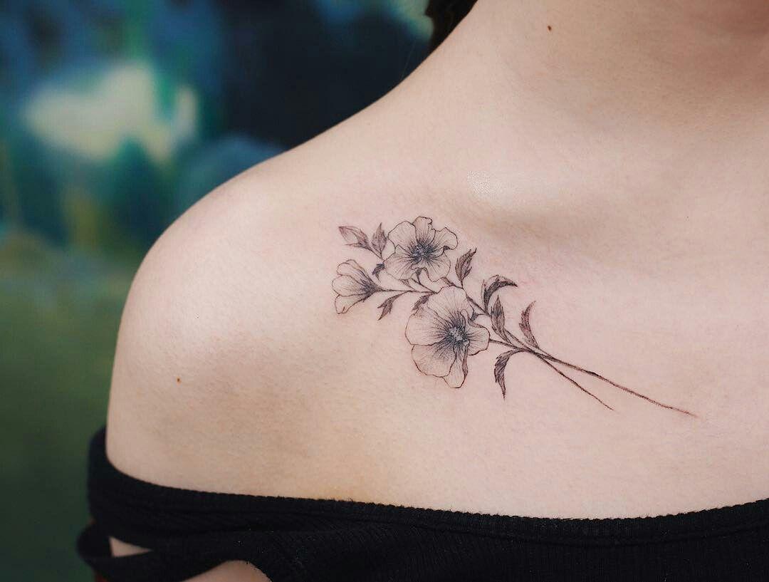 Pin By Jennifer Mann On Tattoo Tattoos Collar Bone Tattoo Girl Flower Tattoos