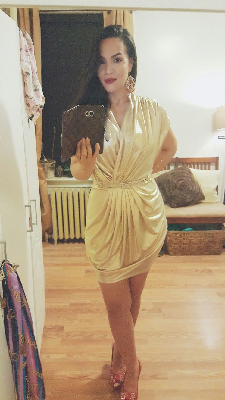 halston heritage, gold dress, red heels, red lipstick, statemen