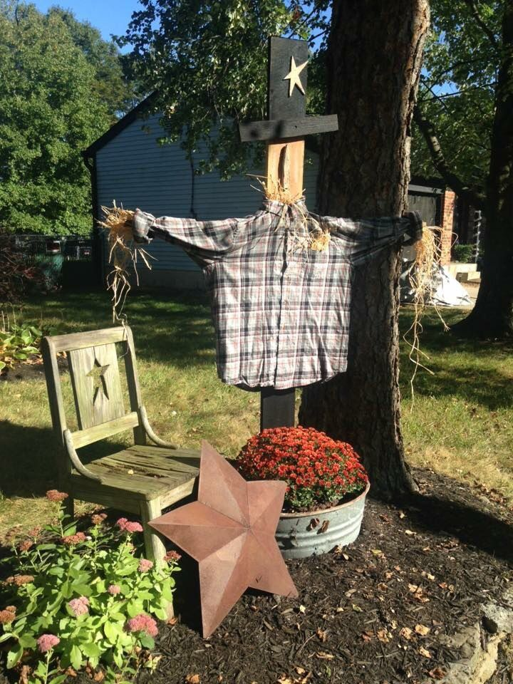 Pin by Raedell Coogler on Fall Pinterest Scarecrows, Fall - pinterest halloween decor outside