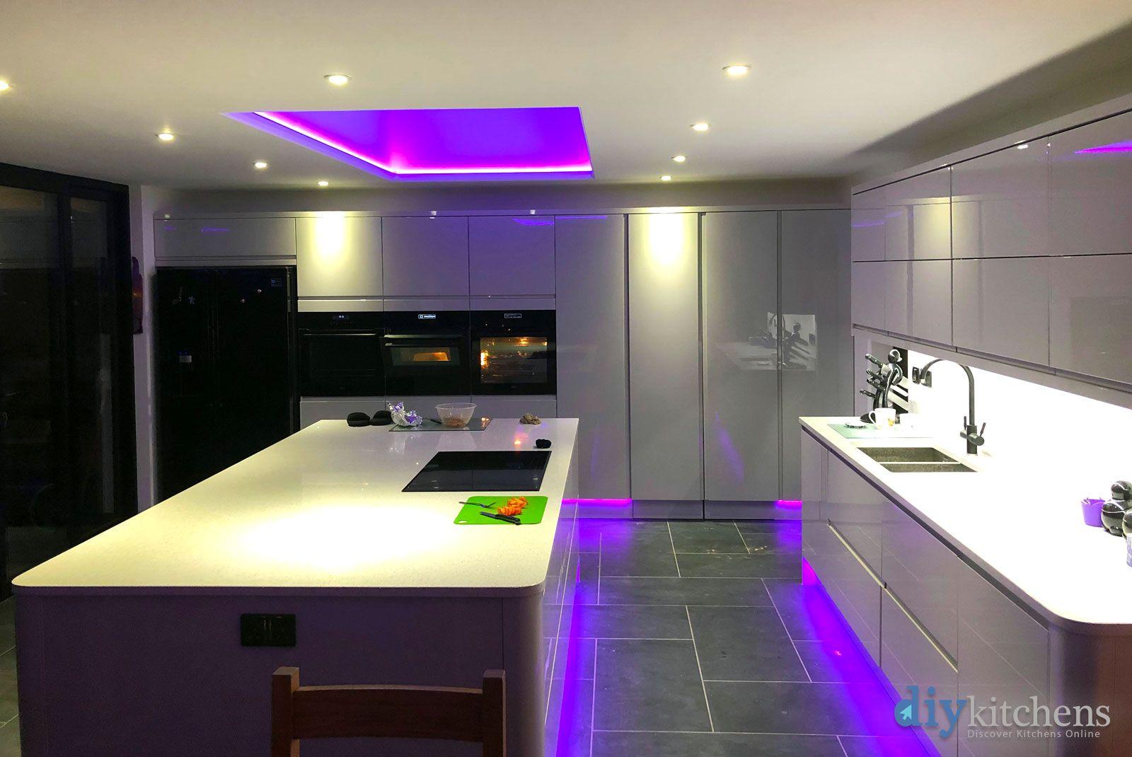 Best An Innova Luca Gloss Dove Grey Handleless Kitchen With 640 x 480