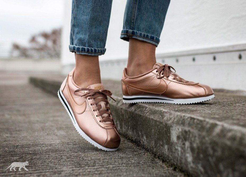 brand new 285d2 f7671 Nike Cortez SE GS (Metallic Red Bronze   Metallic Red Bronze)