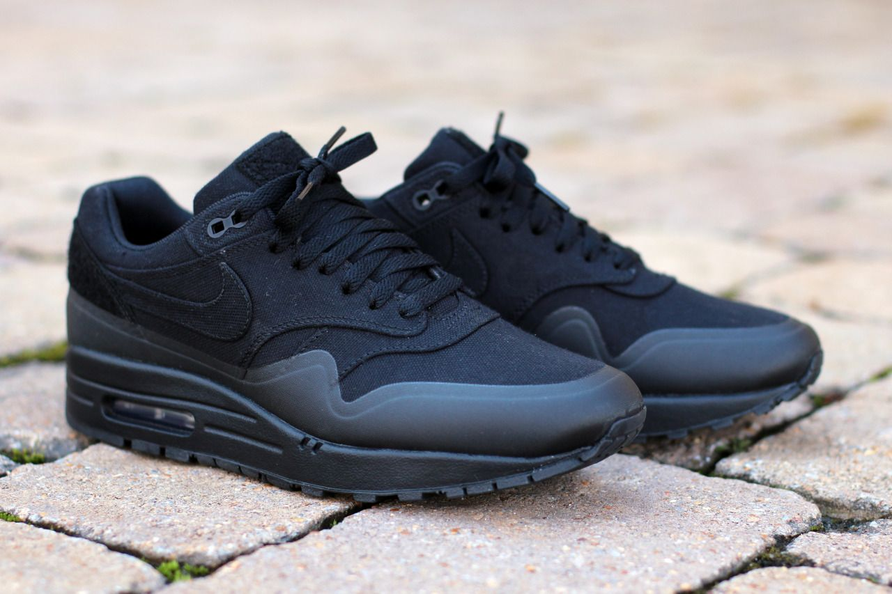 Nike Air Max 90 Flyknit All Black Mens Shoes