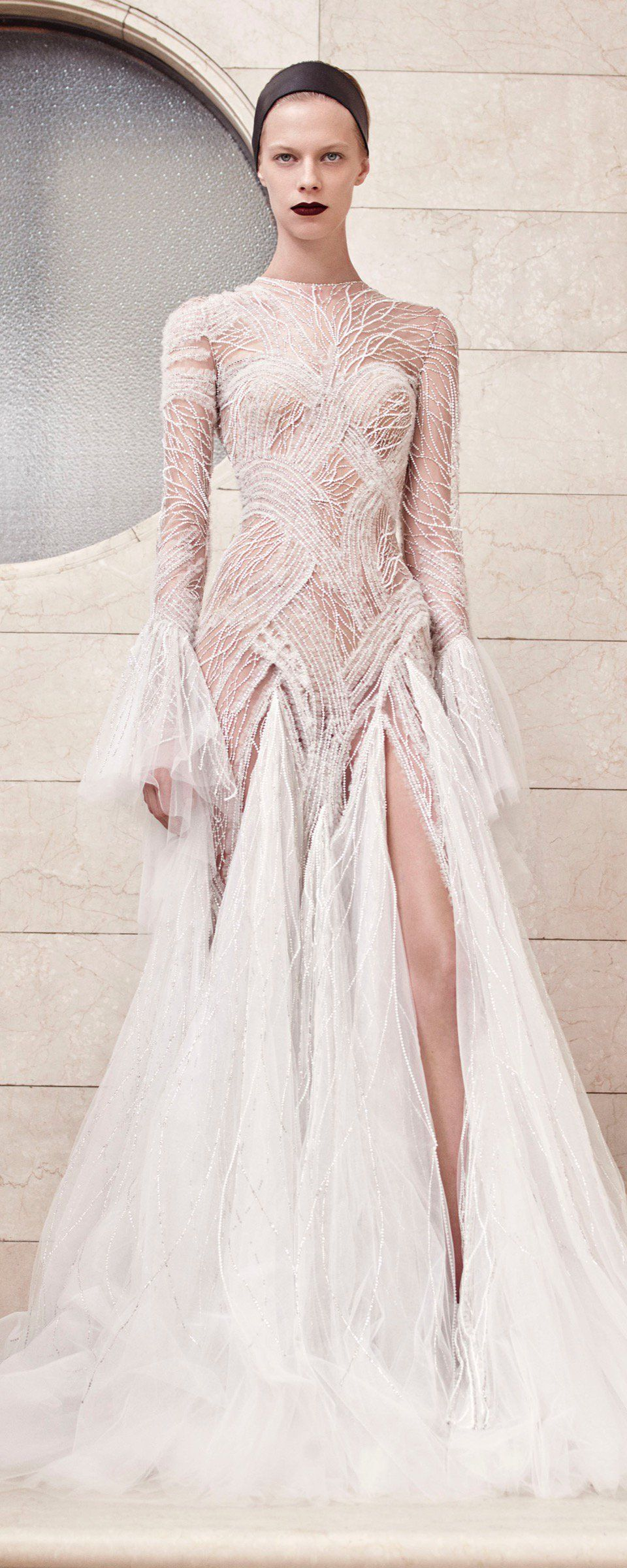 cfdf30fc158b Atelier Versace Fall-winter 2017-2018 - Couture   LOKI S PALE ...