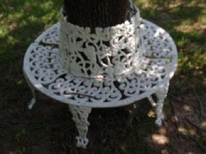 Vintage Victorian Style Heavy Cast Iron Circular Tree Bench Tree