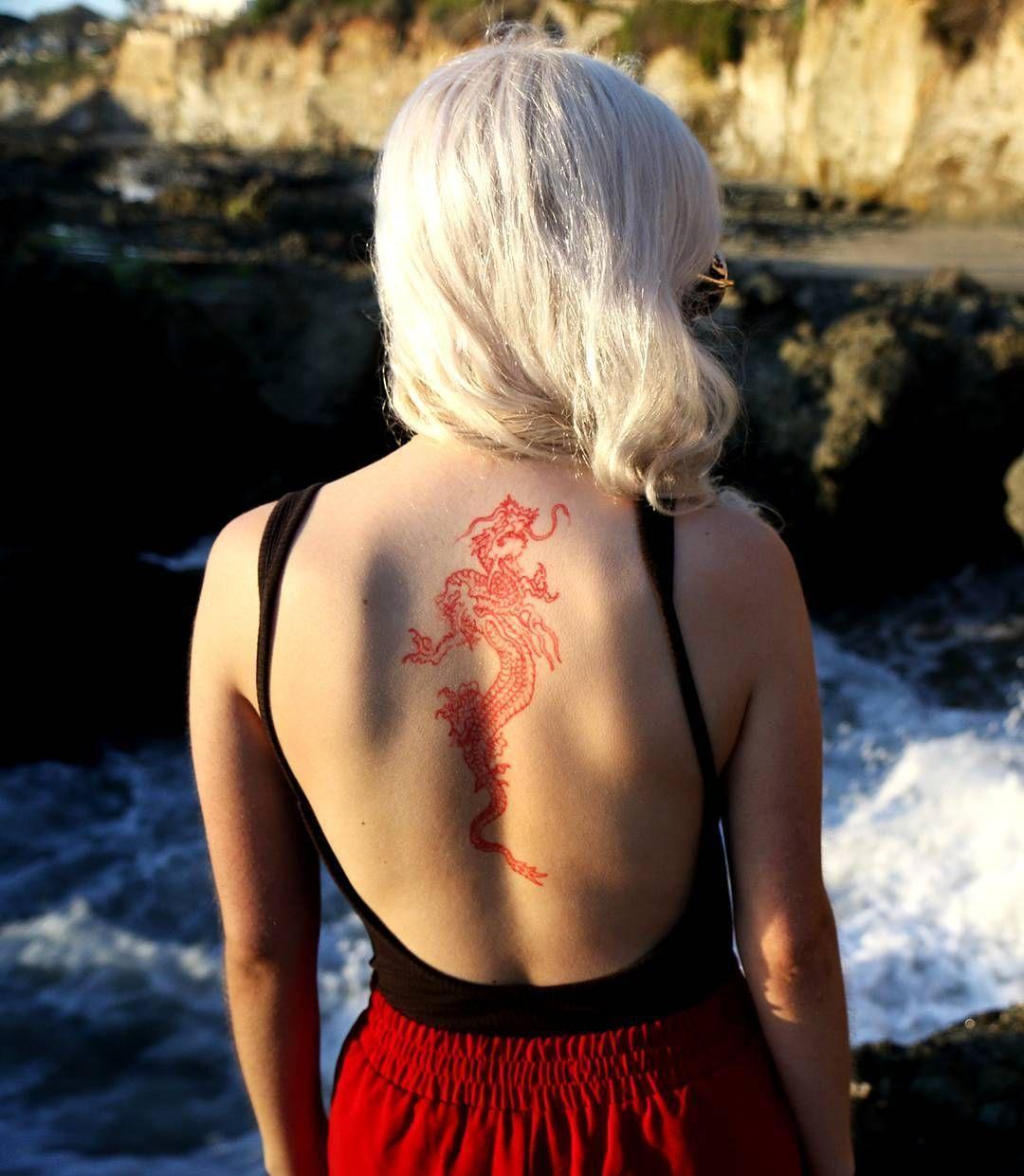 Het Krijgen Van Een Tattoo In Japan Guide Experience In 2020 Red Dragon Tattoo Red Ink Tattoos Red Tattoos