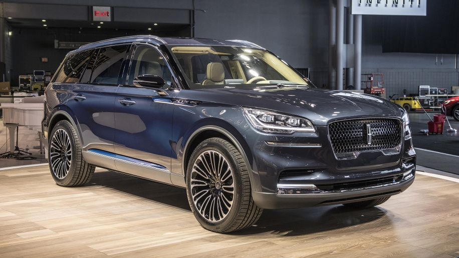 Lincoln Aviator Previews Sleek And Powerful Three Row Crossover Lincoln Aviator Lincoln Navigator Used Sports Cars