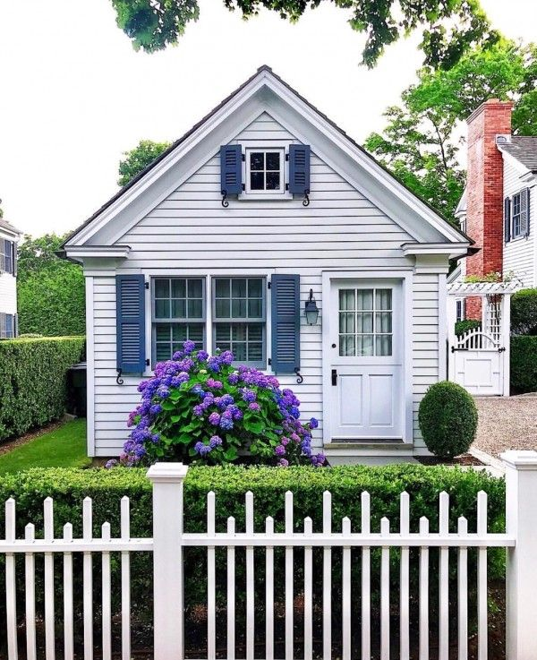 20 White Picket Fence Landscaping Ideas And Designs Cottage