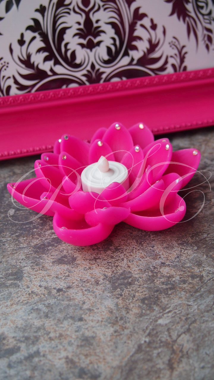 Gorgeous Floating Pink Lotus Flower Tealight Candle Holder Austrian