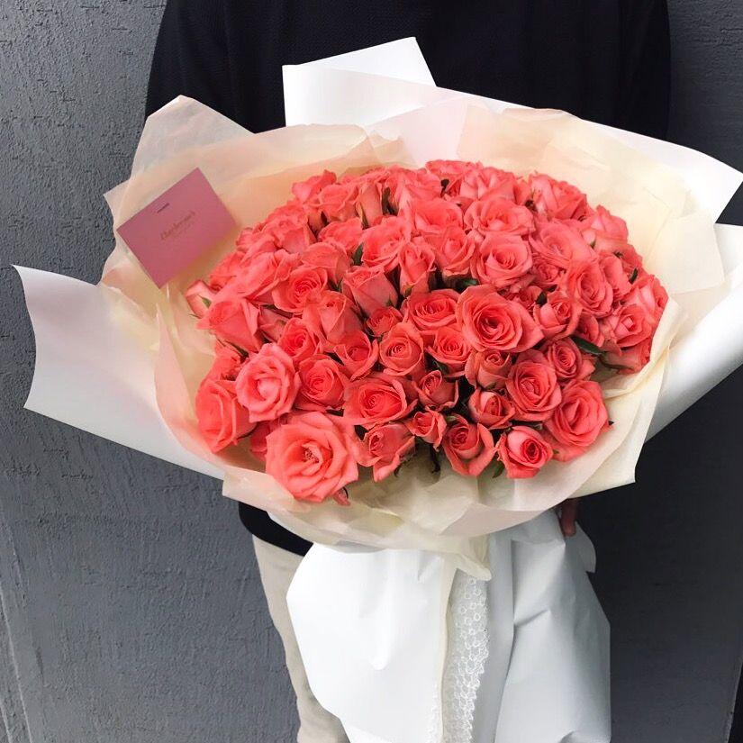 좋아하는 사람에게 장미 100송이 프로포즈 받으면 기분좋겠죠? . . . . 꽃. , 눈뜨다. . . 채희수플라워 ⏱ 월-토 : 10시-8시 / 일 : 10시-6시 플라워레슨, 하우스웨딩 문의 043.254.4300 . . . . #채희수플라워 #프로포즈 #꽃다발 #꽃바구니 #드라이플라워 #청주대꽃집 #플라워레슨 #꽃 #청주 #청주꽃집 #청주시내 #꽃집 #청주예쁜꽃집 #청주꽃집채희수플라워 #청주시내꽃집 #청주꽃선물 #청주꽃수업 #청주꽃 #예쁜꽃집 #청주꽃집추천 #flower #bouquet #dryflower #flowerlesson #flowerbasket #flowerstagram #floraldesign #flowershop . .