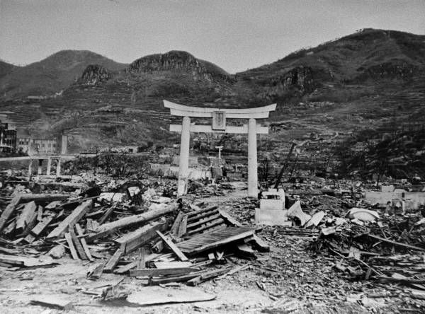 nuclear bombing on japan The atomic bombs used in japan in 1945, and the bombs or devices testing  during the following seven years, depended on the fission of uranium-235 or.
