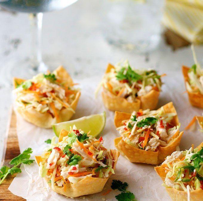 Thai Chicken Salad Wonton Cups Recipe In 2020 Recipetin Eats