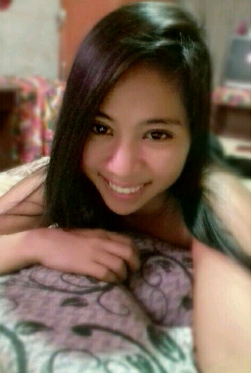 Filipina eyes dating site