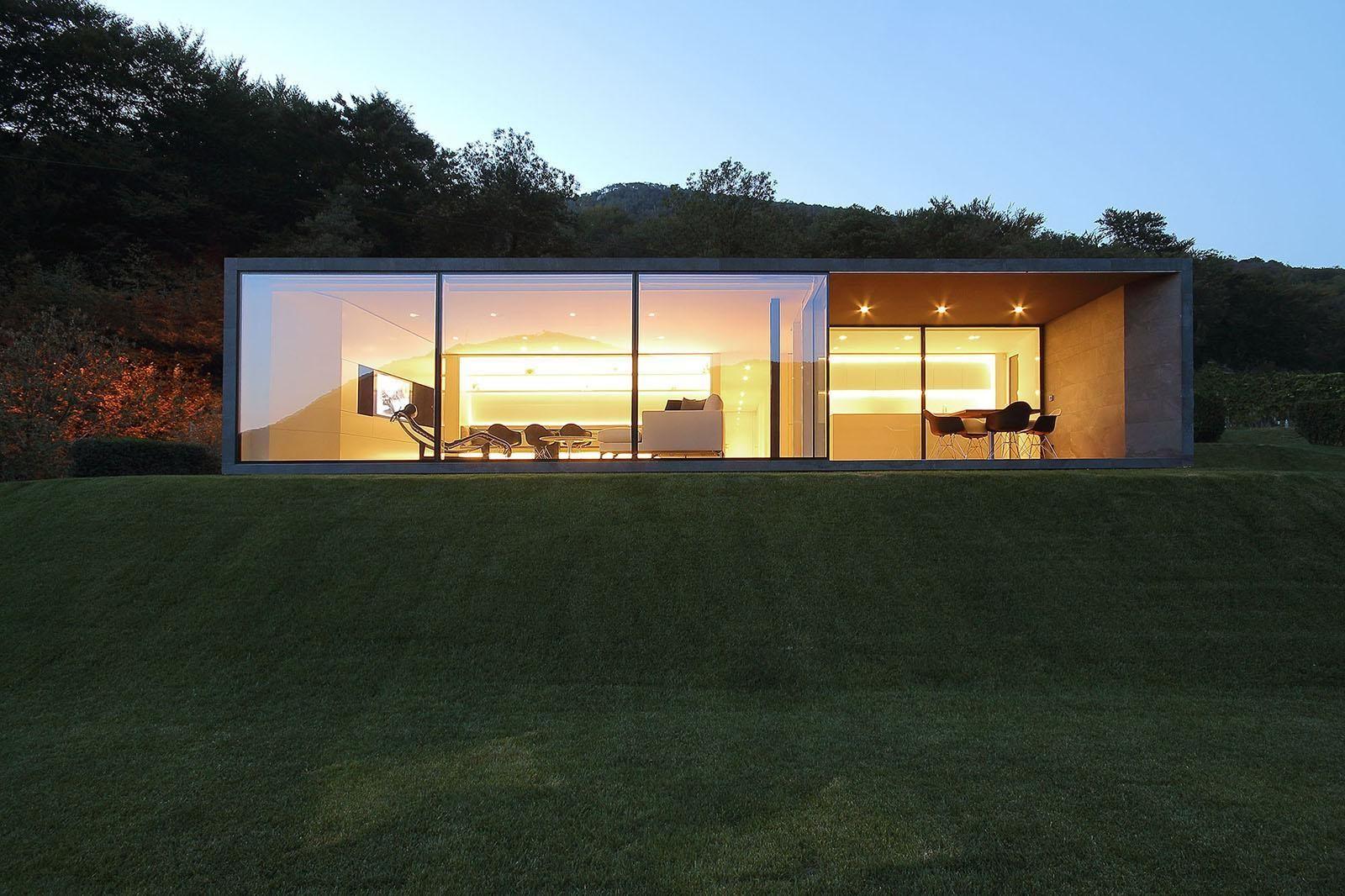 Zeitgenössische architektur satteldach einrichtung schweizer alpen holzhäuser wohn architektur organische architektur moderne häuser kleine häuser