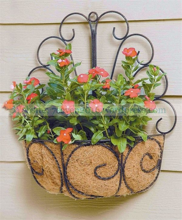 Attractive Metal Hanging Basket With Replaceable Coconut Coir Liner Baskets On Wall Small Porch Decorating Hanging Flower Baskets