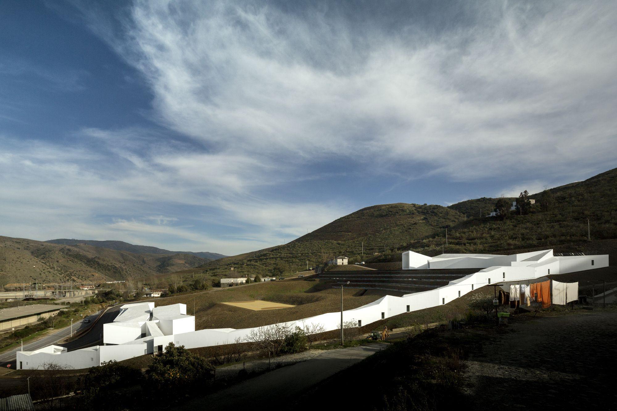 Álvaro Andrade | CENTER FOR HIGH YIELD - ROWING | POCINHO (FOZ CÔA), PORTUGAL | © Fernando Guerra, FG+SG