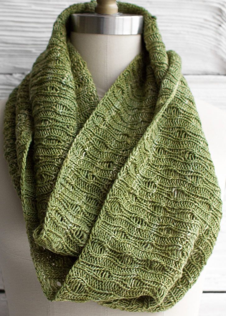 Free Knitting Pattern for Eternidad Scarf - This inifinity scarf ...