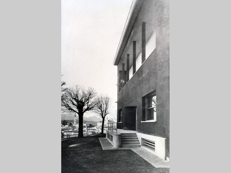 Villa Marelli in una foto d'epoca | Architetti, Foto d ...