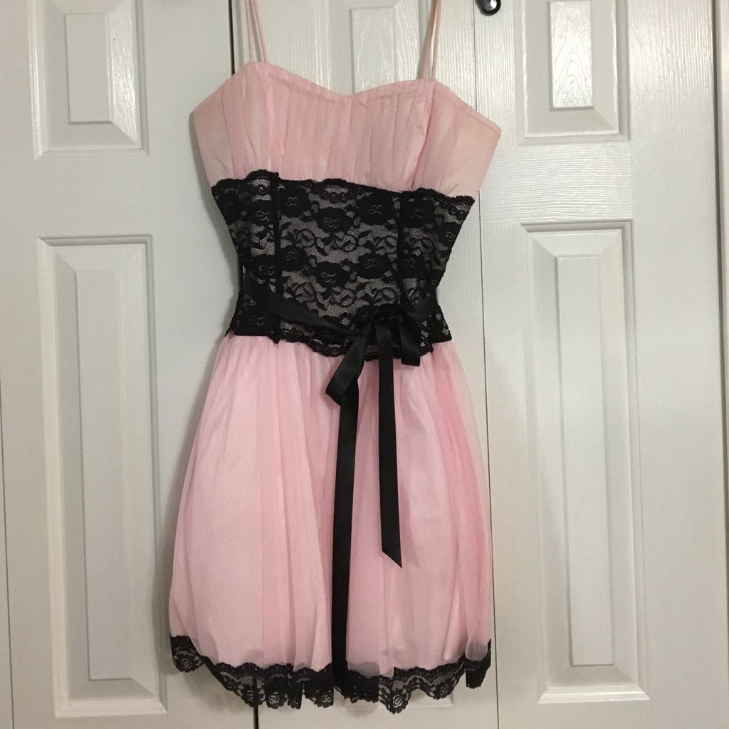 Light Pink Dress Products