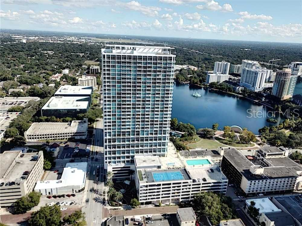Well maintained 1 bed1 bath condo for rent at the vue in