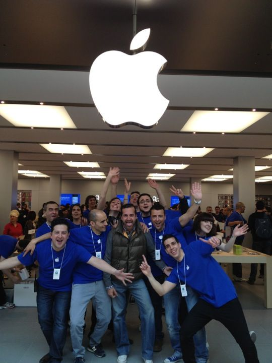Gran plaza 2 majadahonda madrid apple store spain iphone apple - Gran plaza norte 2 majadahonda ...