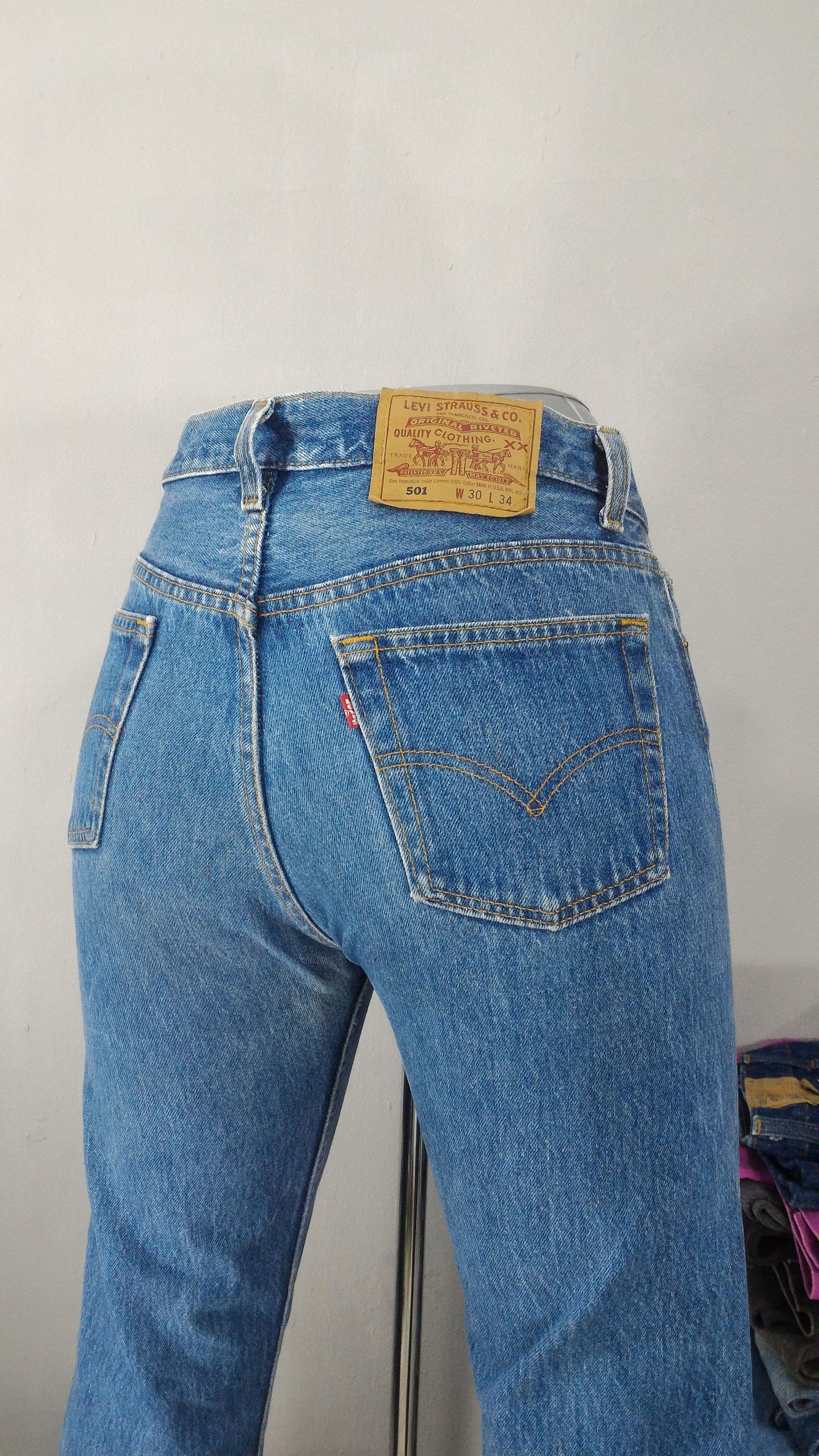 Sz 29 Vintage Levis 501 Women S Jeans W29 L26 High Waisted 90s Cropped Frayed Hem Distressed Mom Jeans Boyfriends Jeans Made In Usa Women Jeans Boyfriend Jeans Mom Jeans