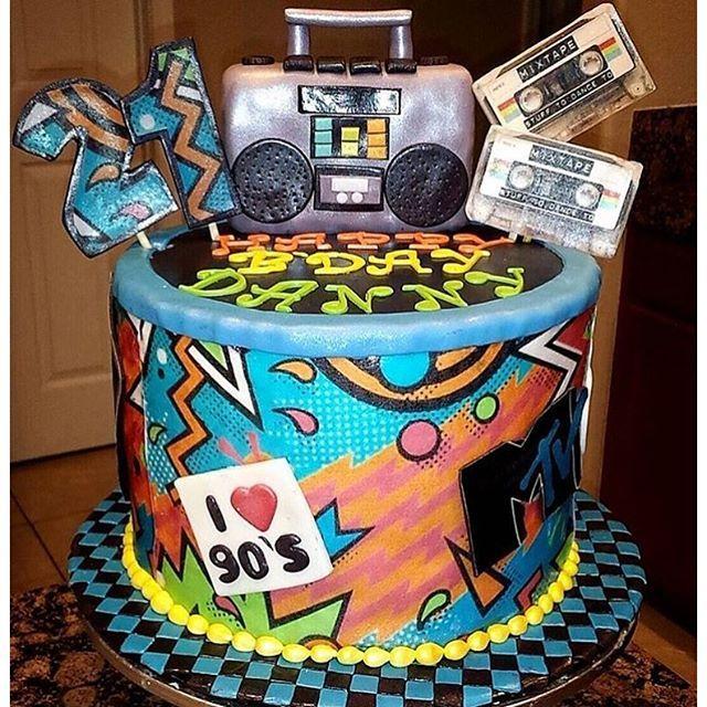 Hip hop birthday cake birthday ideas pinterest geburtstag party und deko - 90er jahre deko ...