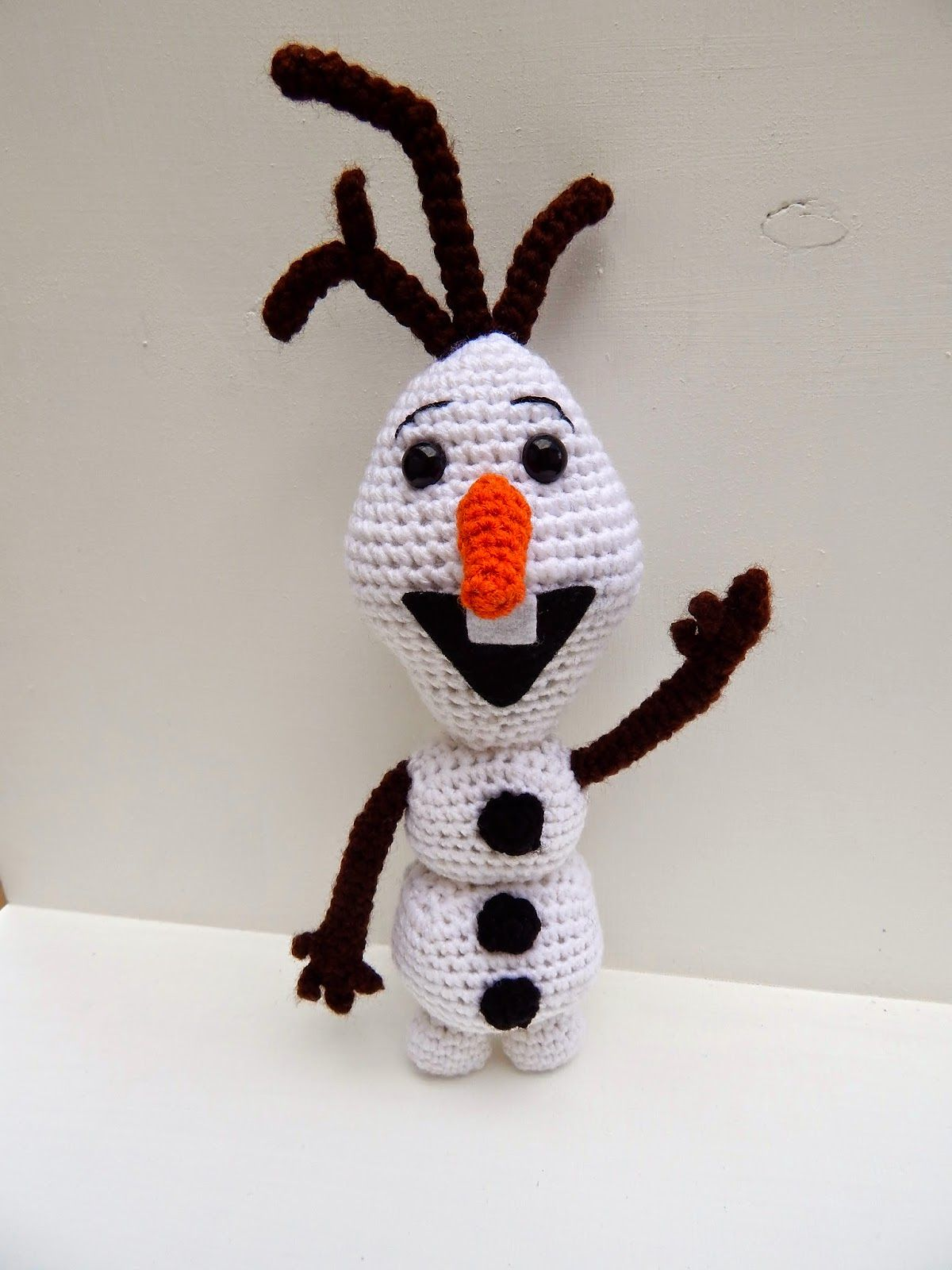 Olaf from Frozen Crochet Amigurumi Pattern - One Dog Woof | 1600x1200