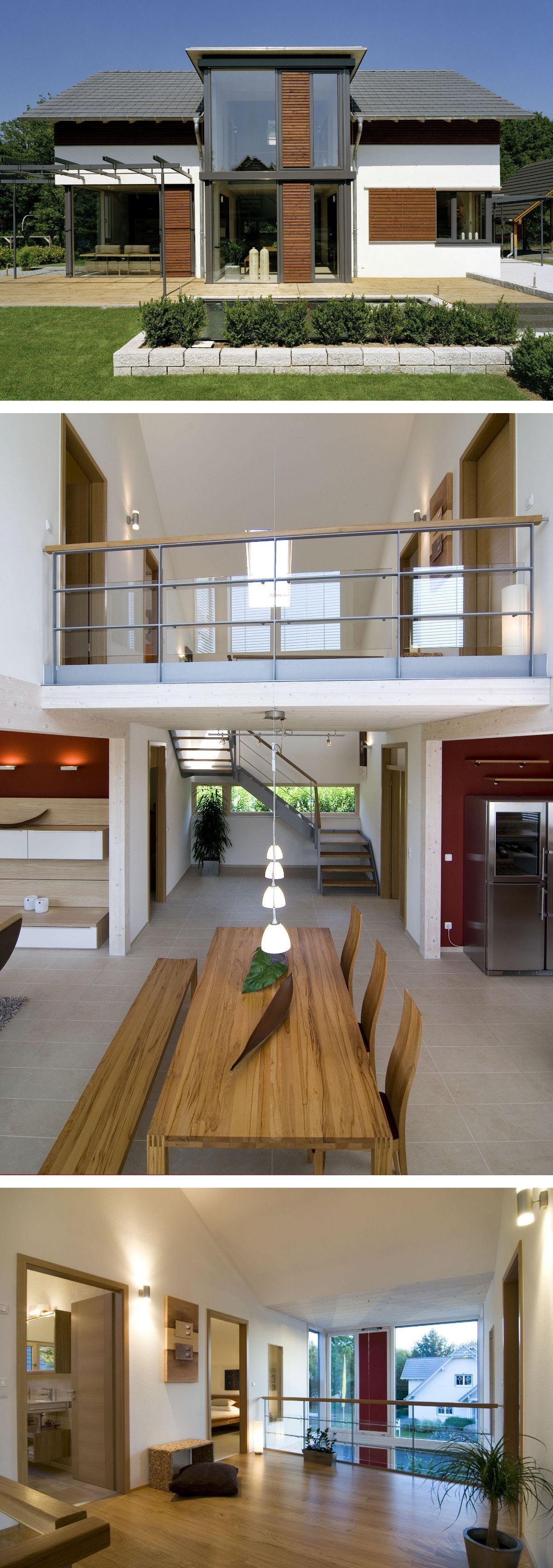 Modernes Einfamilienhaus Mit Holz Putz Fassade Zwerchgiebel Satteldach Archit Archi Wooden House Design Prefabricated Houses House Architecture Styles