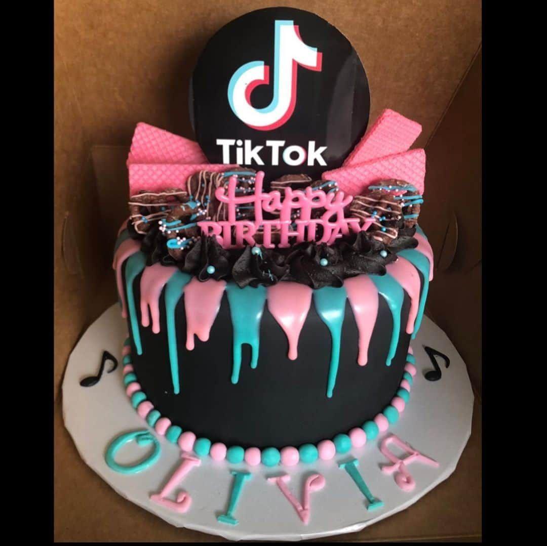 13 Cute Tik Tok Cake Ideas Some Are Absolutely Beautiful 14th Birthday Cakes 12th Birthday Cake 13 Birthday Cake