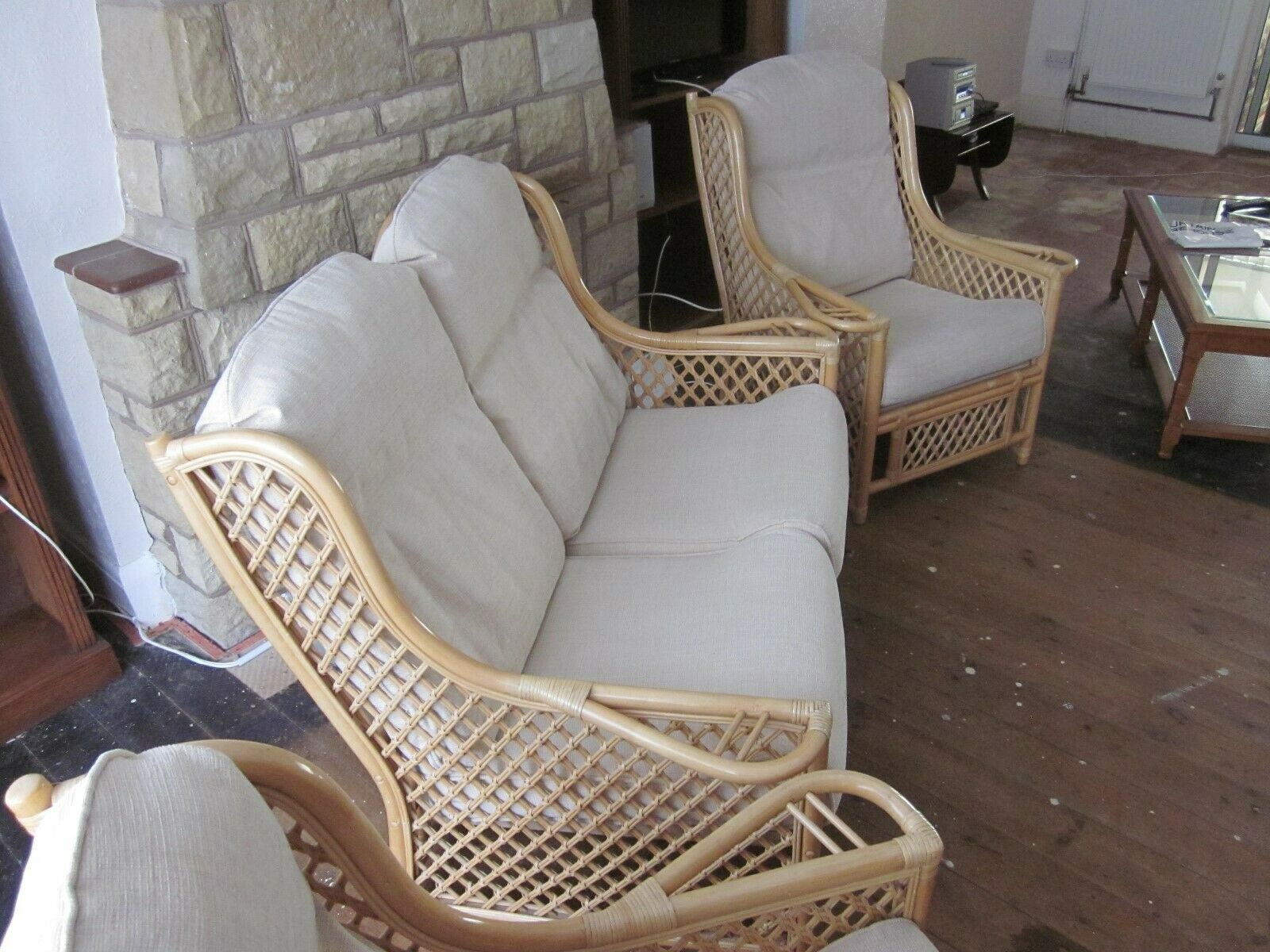 Best Bamboo Conservatory Furniture 3 Piece Suite 2 Seater Sofa 400 x 300