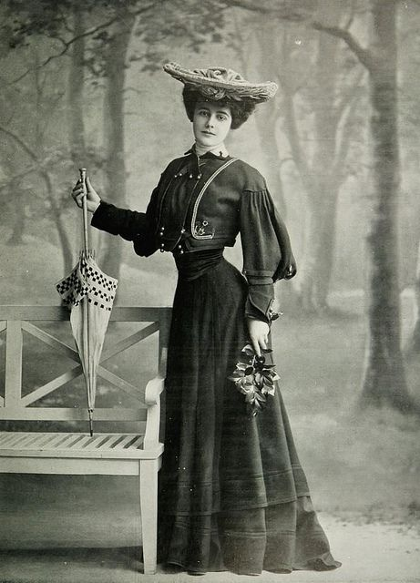 robe tailleur 1904   Flickr - Photo Sharing!