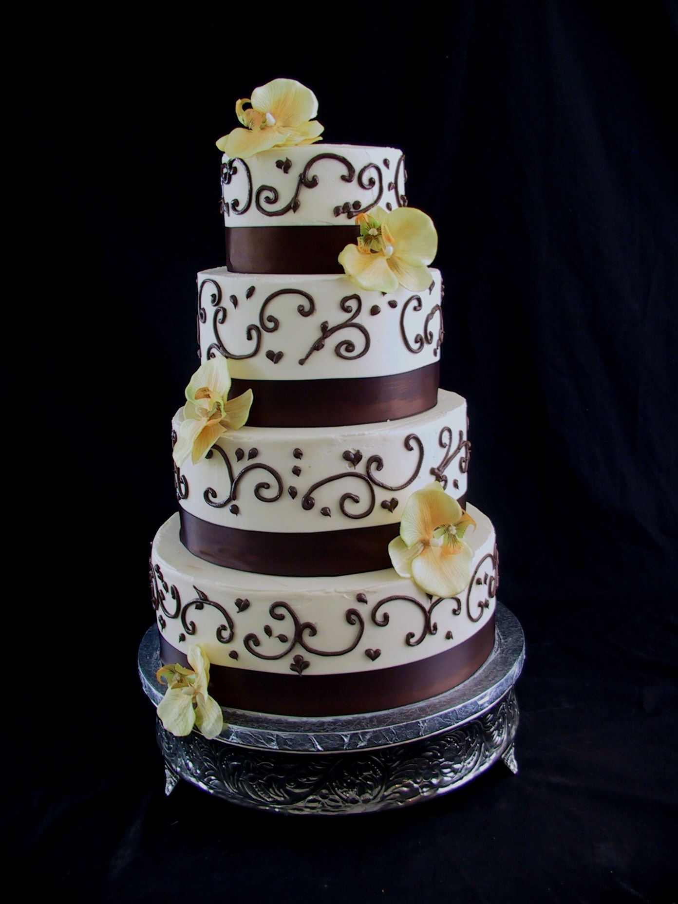 Brown And Ivory Wedding Cake Pretty But With Green