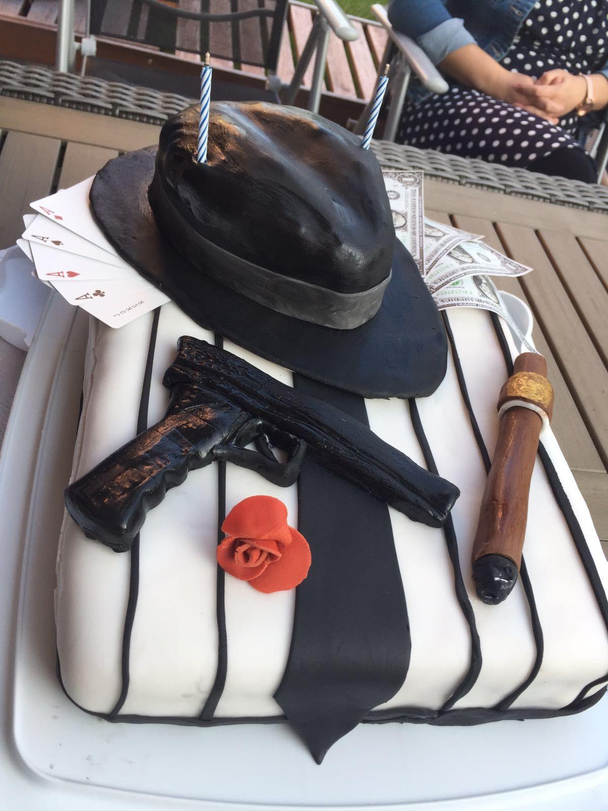 при этом фото тортов для гангстерской вечеринки лев