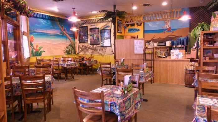 Mom Pop S Diner In Carson City Nv Is Decorated A Tropical Theme And Serves Delicious Breakfast Lunch