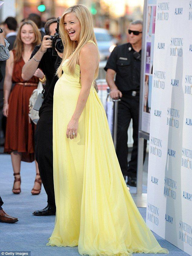 fab206dba4c31 Kate Hudson | Pregnant | Maternity prom dresses, Maternity dresses, Cute  maternity dresses