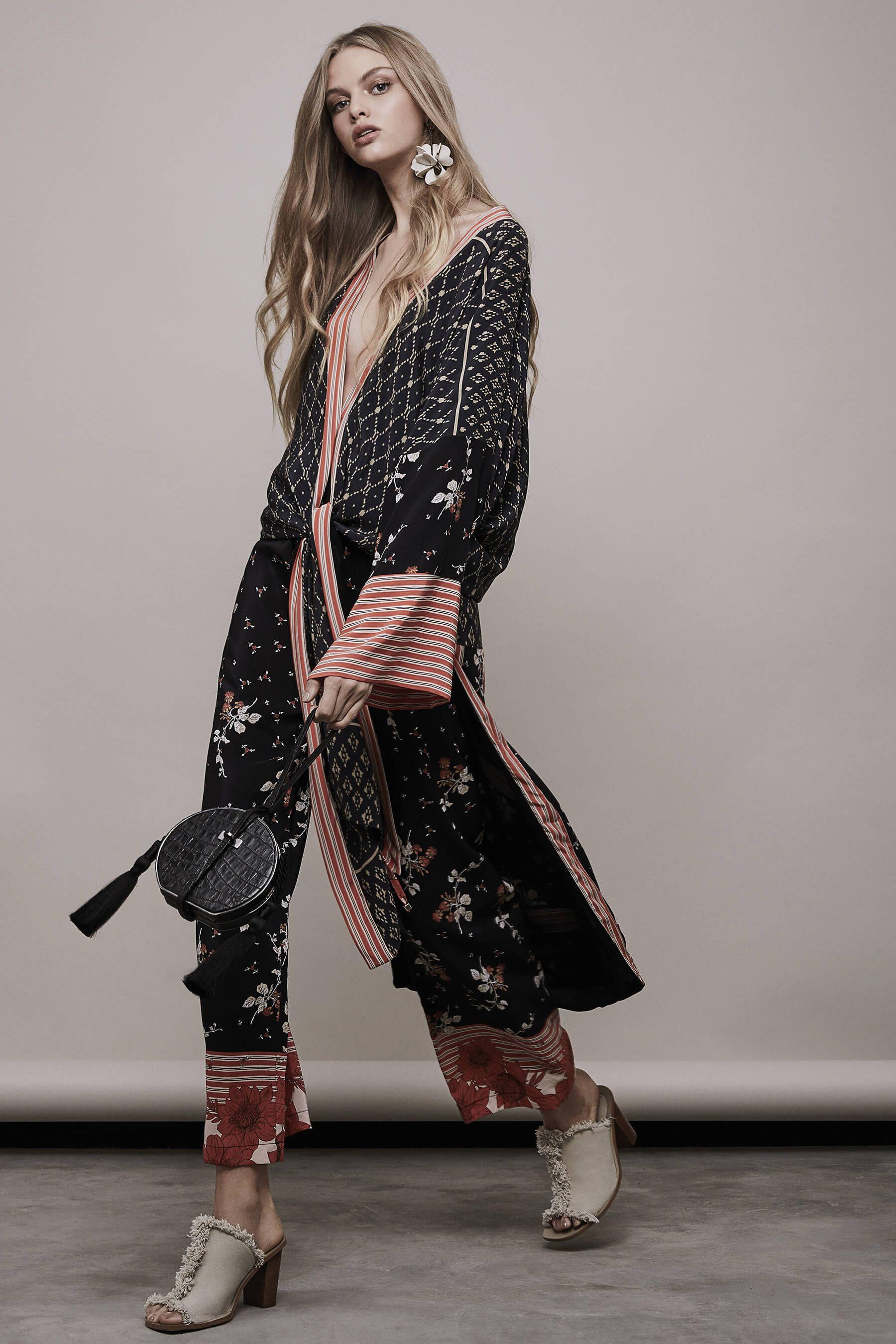 79c2c5d6c Kimono Viet   Calça Lenço Flor Degrade
