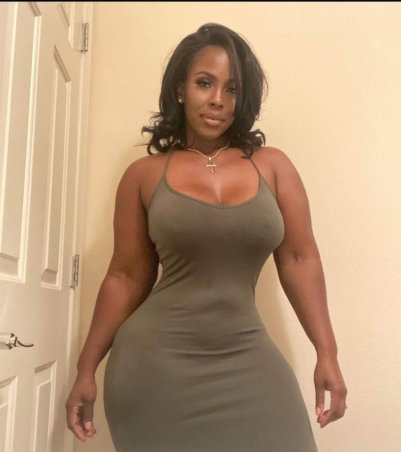 Pin on Harlem Cafe: Thick