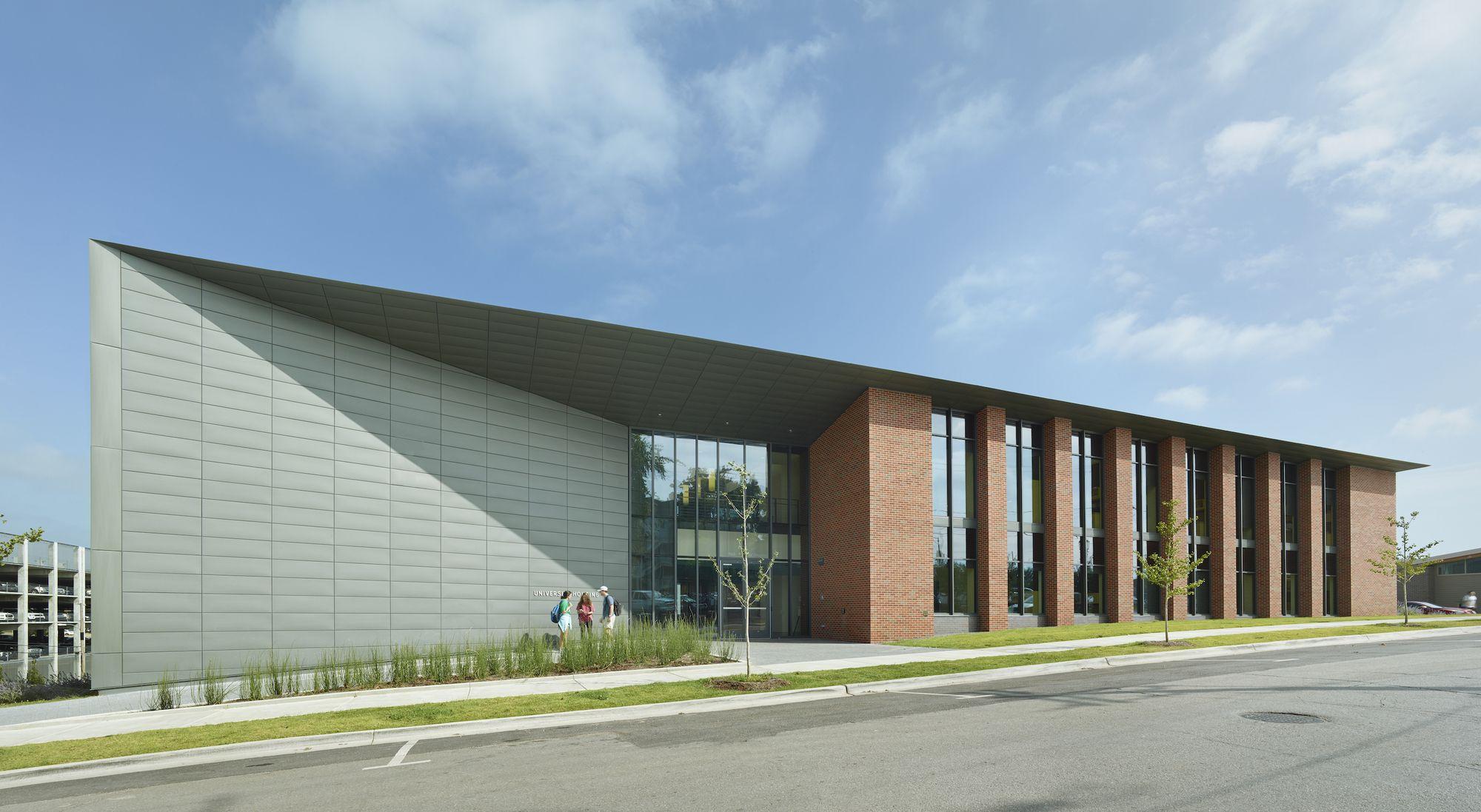 University Of Arkansas University Housing Polk Stanley Wilcox Architects University Architecture Architecture Facade Architecture